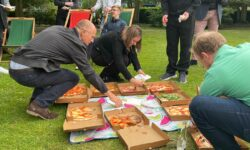 We enjoy pizzas and prosecco in the park